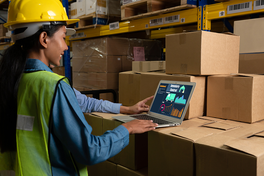 Warehouse management software application in computer for real time monitoring of goods package delivery